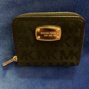 NWOT MICHAEL KORS wallet in black w/gold zipper